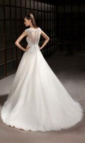 9fe482e4af2 Cosmobella menyasszonyi ruha - Almássy Éva Prémium esküvői ...