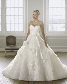 ALMÁSSY ÉVA PRÉMIUM Esküvői ruha e9610dcc21